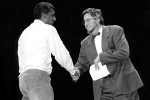 Mahesh Matai - BHOPAL EXPRESS, prix du public remis par Jean-Louis Vey, directeur du festival