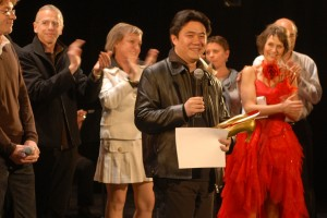 Zhuang Yuxin reçoit le grand prix du jury pour TEETH OF LOVE