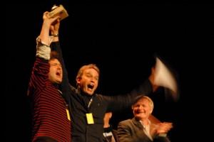 Frédéric Ledoux et Nicolas Buysse pour UNE CHAINE POUR DEUX (1er film en compétition - Belgique), prix du public