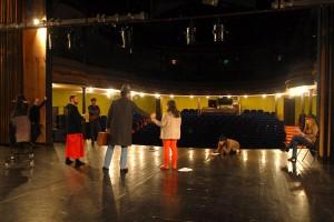 Répétition de la cérémonie de remise de prix pour les bénévoles de la commission cinéma, avec Pascale et Armelle de la Cie d'à côté