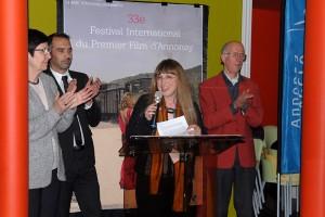 Vendredi 5 février, inauguration officielle du 33ème Festival : au micro, Marianne Ferrand directrice de la MJC et du Festival
