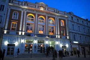 Place des Cordeliers, le théâtre
