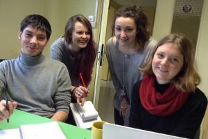 Arrivée des 4 assistants du Festival : Adrien, Camille, Pauline et Juliette