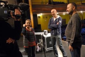 Arrivée de l'équipe de France 3 pour un duplex en direct du Théâtre d'Annonay