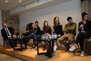 De gauche à droite : Gaël Labanti, Manal Issa, Hamza Meziani, Noémie Merlant, Luna Lou, Joséphine Japy, Sébastien Houbani, Lina El Arabi