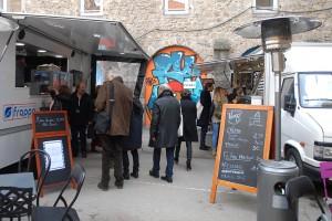 Cour des Cordeliers, les restaurateurs du Nid du Festival
