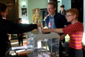 Aux urnes pour le vote du public : Maël, Marie-Christine (équipe festival)