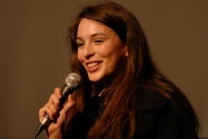 Samedi 6 février, PAPA WAS NOT A ROLLING STONE est présenté par la comédienne Doria Achour