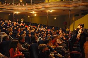 Séances scolaires... La projection de NEIGE ET LES ARBRES MAGIQUES était pour certains l'occasion d'aller pour la première fois au cinéma !