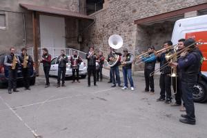 Le Nid du Festival, cour des Cordeliers, matinée huitres en fanfare !