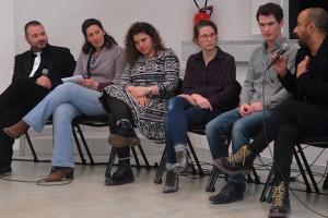 Dimanche 14 février, rencontre à la MJC, de gauche à droite : Gaël (directeur artistique du Festival), Florence (traduction), Diala Al Rai (THEEB), Lisa Carlehed (IN YOUR ARMS), Andrew Cividino (SLEEPING GIANT), Nitzan Gilady (WEDDING DOLL)